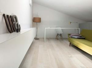 213246_inspirations-carrelage-chambre-imitation-parquet-ceramique-schelfhout.jpg