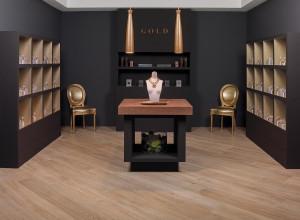 220013_inspirations-carrelage-commerce-magasis-bijouterie-melange-bois-ceramique-noir-gres-cerame-schelfhout.jpg