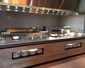 220795_inspirations-carrelage-commerces-restaurant-cuisine-block-carrelage-metro-carrelage-irregulier-rectangle-fin-credence-cuisine-gris-hygiene-cuisine-schelfhout.jpg