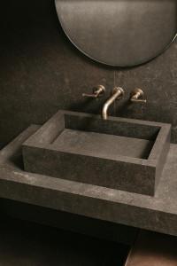 226581_inspirations-carrelage-salle-de-bain-imitation-pierre-mouchete-eclat-or-tendance-chic-schelfhout2.jpg