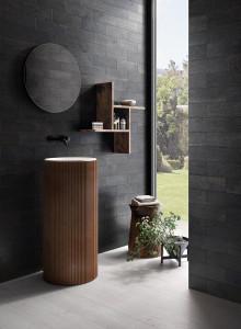 227624-VI_Yaki-black_inspirations-carrelage-salle-de-bain-gres-cerame-bois-brule-imitation-schelfhout.jpg
