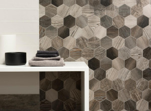 DO-Barnwood_inspirations-salle-de-bain-mosaique-hexagone-bois-degrade-gres-cerame-bois-schelfhout.jpg