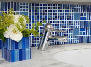 Mosaiques-de-verre-inspirations-carrelage-salle-de-bain-mosaique-bleu-schelfhout.jpg