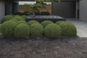 222656-222657-218400_inspirations-carrelage-terrasse-exterieur-pierre-naturelle-noir-gris-petit-format-20x20-20x30-schelfhout.jpg