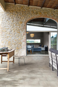 222925-222929_inspirations-carrelage-terrasse-exterieur-outdoor-pierre-naturelle-beige-20x20-20x30-exterieur-outdoor-chic-schelfhout.jpg