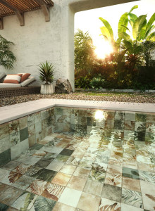 226895_inspirations-carrelage-terrasse-piscine-carrelage-sous-l-eau-motif-decor-original-jungle-nature-schelfhout.jpg