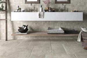 225951-225949_inspirations-carrelage-salle-de-bain-mosaique-pierre-naturelle-gris-schelfhout.jpg