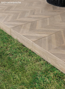 KR_LesBois-inspirations-carrelage-terrasse-outdoor-facade-rectangle-bois-clair-chevron-schelfhout.jpg